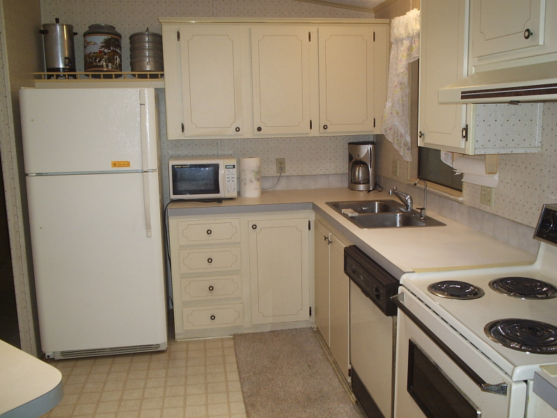 Kitchen 2 - Damian Dr