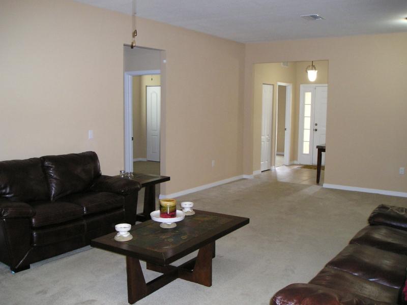 Living Room 3 - Diamond Head