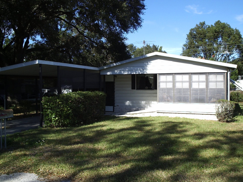 Comfortable And Affordable 2 Bedroom 2 Bath Double Wide Mobile Home For Sale In Zephyrhills Fl