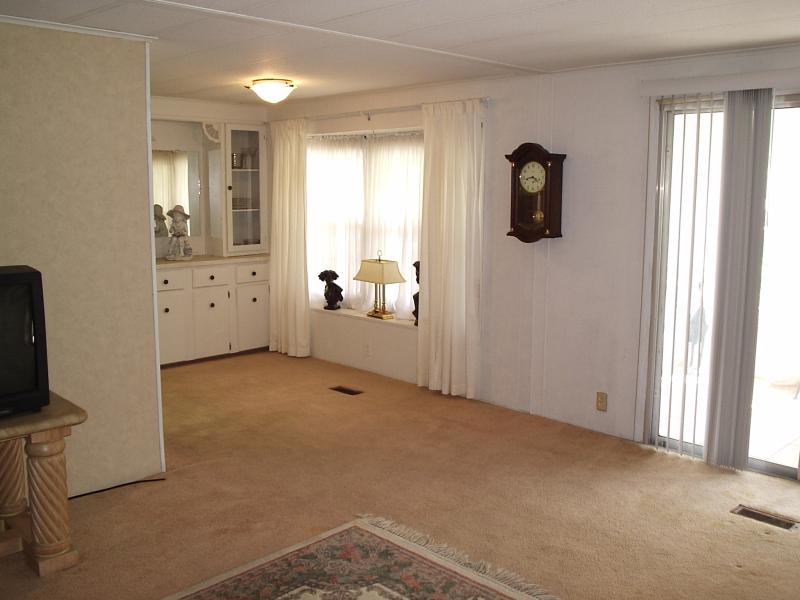 Living Room 4 - Walker