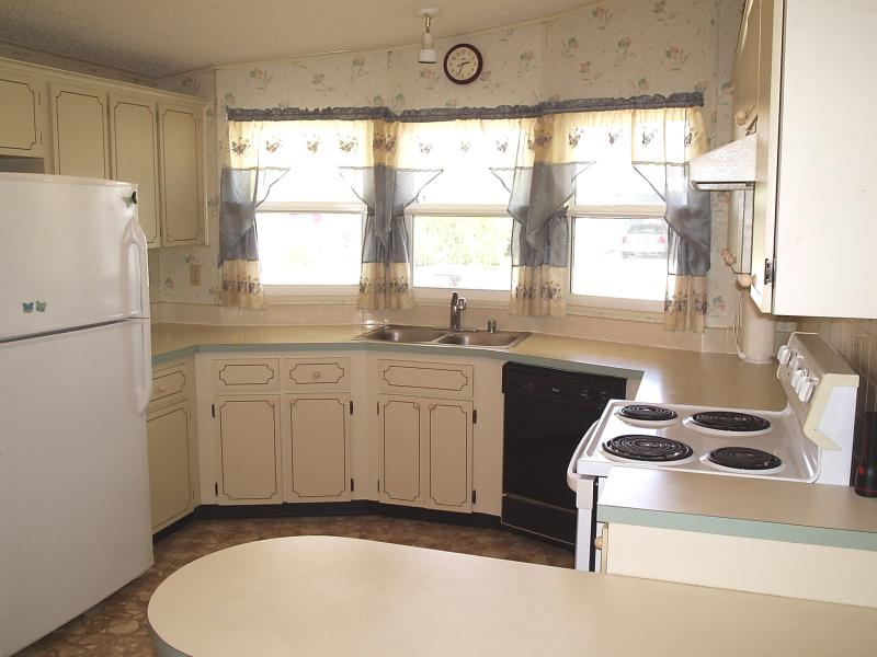 Kitchen 1 - Chris Drive