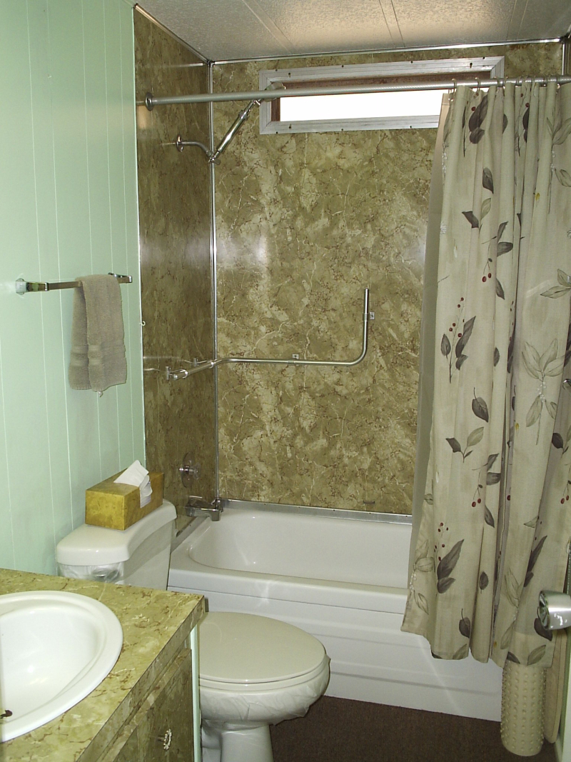 Hall Bath 1 - Lakewood