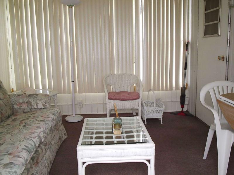 East Florida Room 1 - Dale