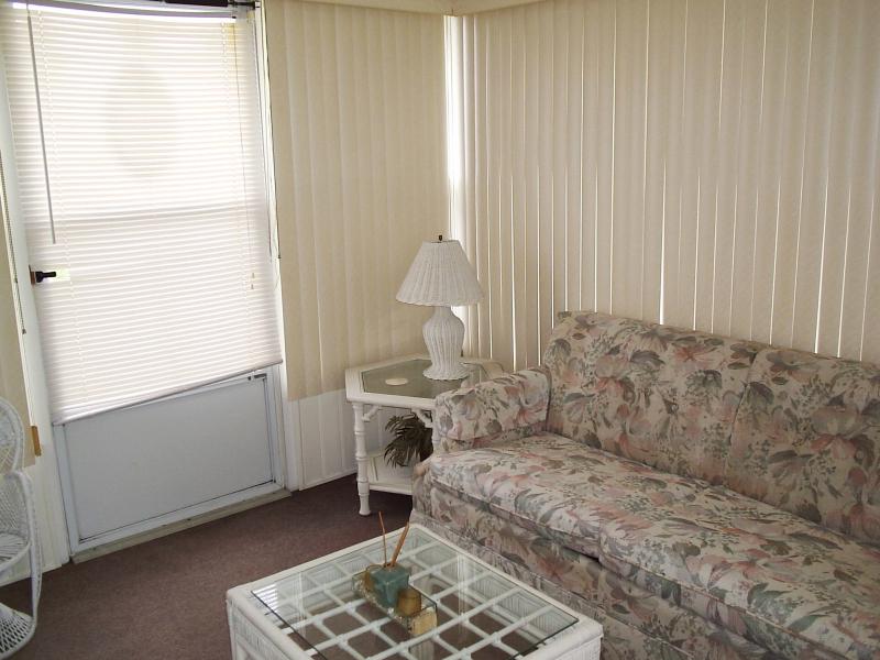 East Florida Room 3 - Dale