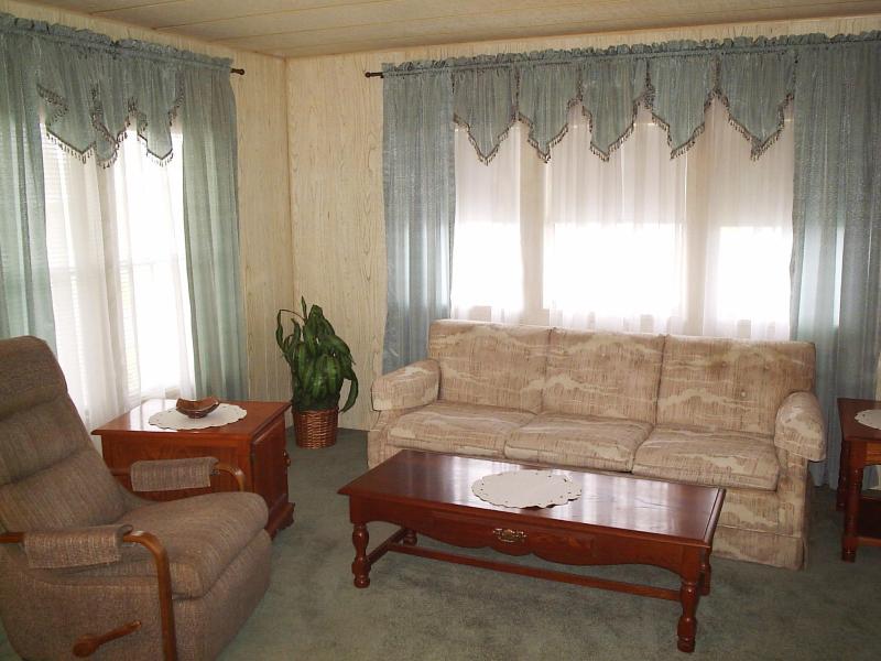 Living Room 2 - Dale