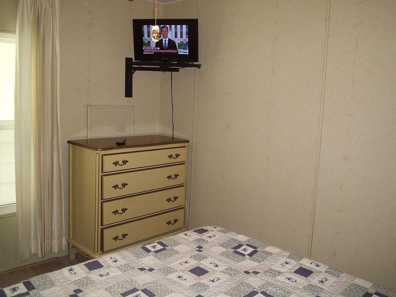 Guest Room 2 - Dale Avenue