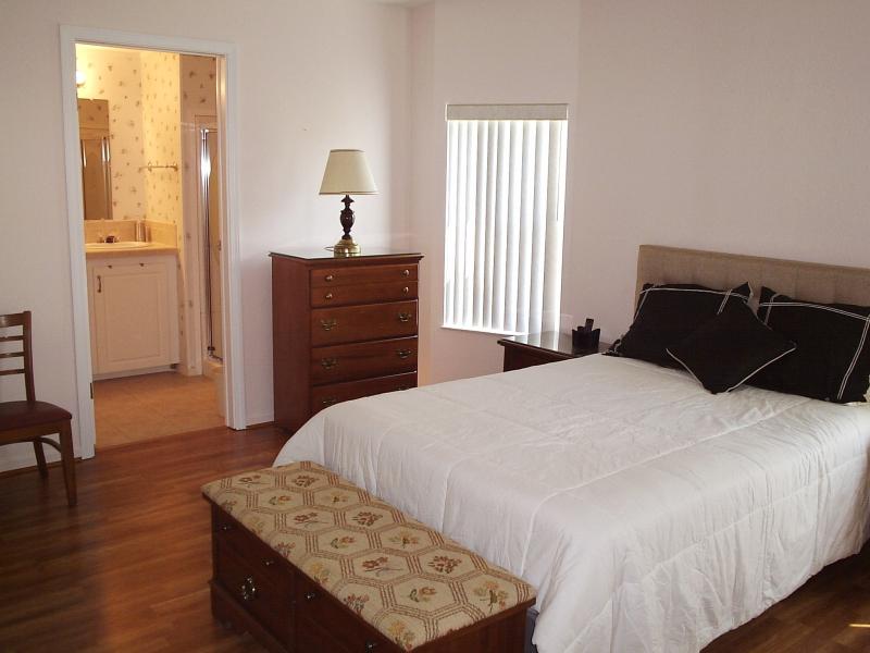 Master Bedroom 2 - Fun Way