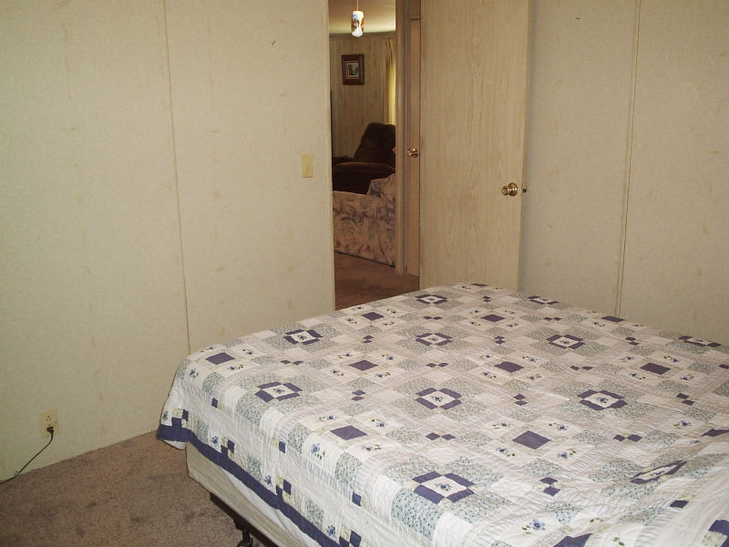 Guest Room 3 - Dale Avenue