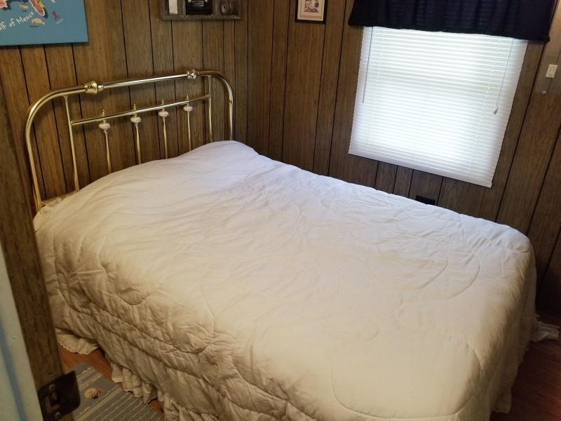 Guest Room 1 - El Dewitt